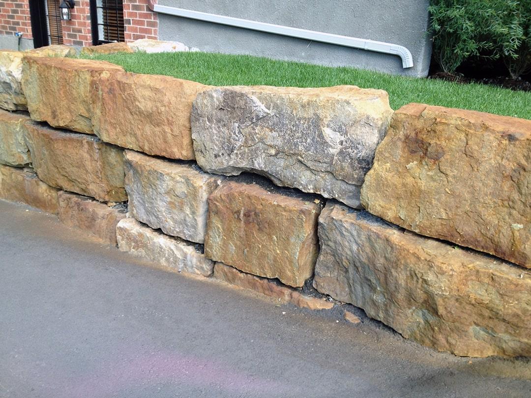 mur-grosse-pierre-paysagement