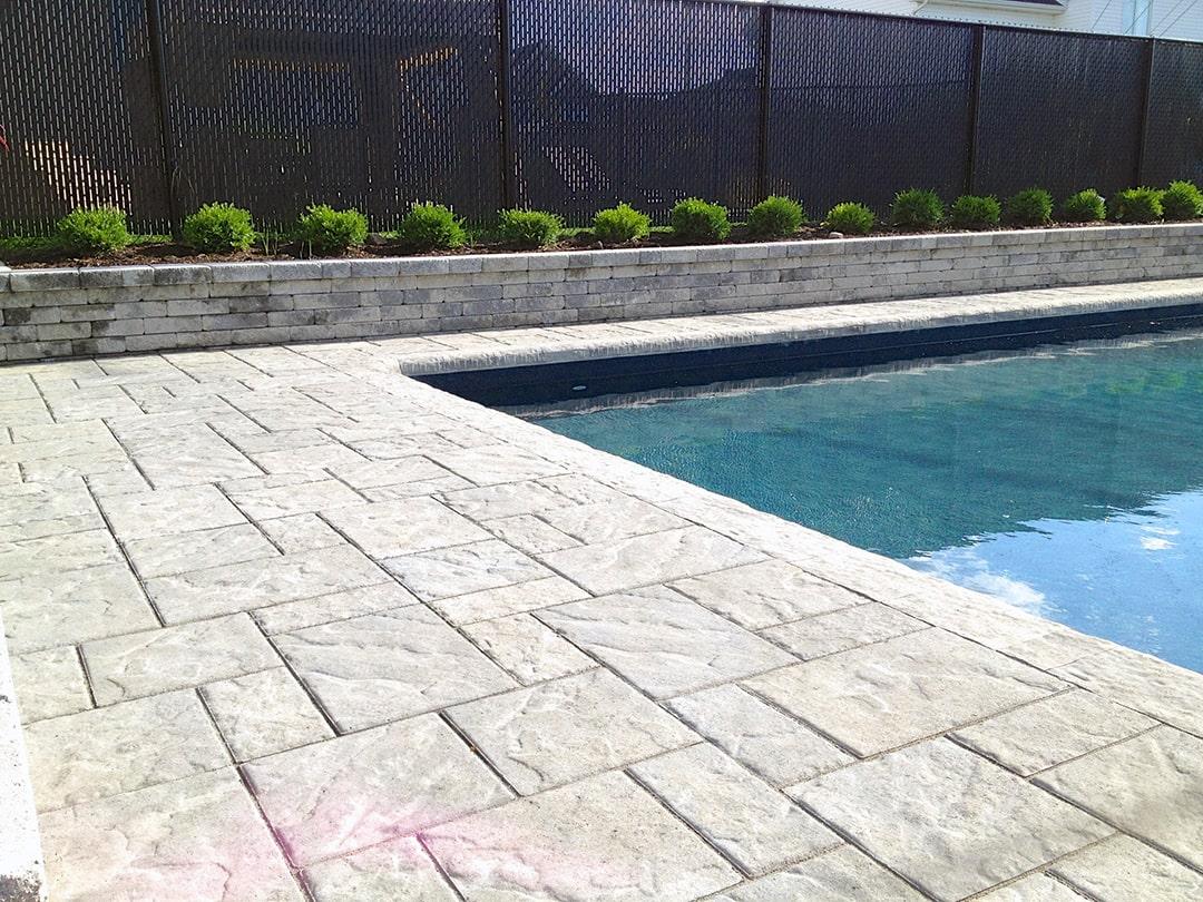 pave-uni-muret-piscine