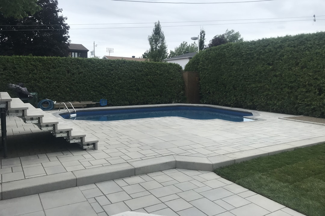paving patio-pool-dug-house-unistone